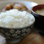 ご飯が固い…あきらめないで!炊き立てなら間に合う対処法。